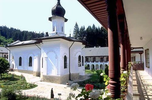 poza-manastirea-agapia-21