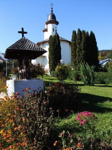 poza-manastireavaratecsa2